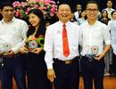 Nhà hoạt động từ thiện Lê Hoàng Thạch nhận liên tiếp 2 bằng khen