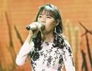 Cô gái khiếm thị Quỳnh Trâm lấy nước mắt khán giả khi hát về mẹ