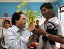 Bộ trưởng Phùng Xuân Nhạ giữ lời hứa về thăm học trò tí hon Đinh Văn K'Rể