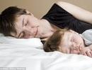 Tăng nguy cơ trầm cảm khi mẹ ngủ cùng con nhỏ trong hơn 6 tháng