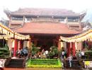 Cần có văn hóa khi đến đền, chùa
