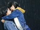 """Hoàng Yến Chibi dầm mưa xuyên đêm ôm ấp soái ca """"Tháng năm rực rỡ"""""""
