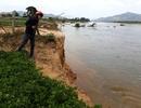 """Hai bờ """"lở loét"""", sông Kôn nổi giận, người dân kinh hãi: Chưa được cấp phép khai thác?"""