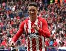 Torres cán mốc 100 bàn ở La Liga trong ngày Atletico đại thắng