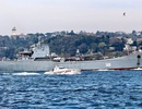 Tàu chiến Nga mang hàng loạt khí tài quân sự cập cảng Syria?