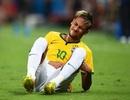 Quên đi nỗi buồn chấn thương, Neymar nhiệt tình hẹn hò cô bạn gái bốc lửa