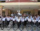 Hàng trăm suất học bổng cho học trò nghèo Phú Yên, Bình Định
