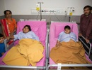Giải cứu cặp chị em không thở nổi vì béo
