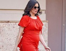 Nữ diễn viên 48 tuổi lần đầu lộ bụng bầu