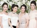 Nhã Phương xinh đẹp đọ dáng cùng bạn gái Phan Thành