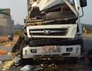 Lô tôm hùm 2 tỷ đồng tan tành sau cú đâm của xe container