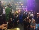 100 cảnh sát bao vây quán bar ở trung tâm Sài Gòn