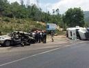 Xe ô tô du lịch bị xe container đè nát, 2 người tử nạn