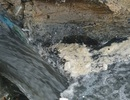 Nước thải đen ngòm tràn ra biển Đà Nẵng
