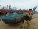 Xã dùng tiền đền bù sự cố môi trường biển để... đi du lịch!