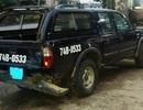 Xe gỗ lậu tông thẳng ô tô kiểm lâm để tẩu thoát
