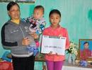 Gần 130 triệu đồng đến với hai chị em cô bé Hồng mồ côi