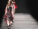 Từ sàn catwalk, nhìn lại thăng trầm của nền công nghiệp thời trang