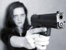 Vợ dùng súng bắn chồng vì bị chê nấu ăn dở