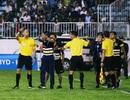 Tranh cãi ở lượt đi tứ kết cúp quốc gia: Trọng tài là nguyên nhân hay nạn nhân?