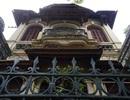 """Bên trong những biệt thự cổ """"xập xệ đến khó tin"""" ở Hà Nội"""