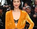 Hai siêu mẫu Trung Quốc đọ dáng trên thảm đỏ Cannes