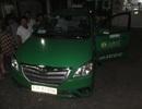 Tài xế taxi chết bất thường trên ghế lái