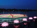 Sông Hương rực sáng trong đêm hội 30.000 hoa đăng