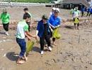 Chủ tịch Quốc hội lội bùn trồng cây tại điểm cực Nam Tổ quốc
