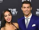 """Bạn gái C.Ronaldo tính gây sốc với """"tín vật"""" tình yêu hơn 19 tỉ đồng"""