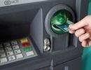 """""""Chiêu"""" tiết kiệm trăm nghìn tiền phí giao dịch ATM"""