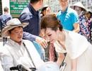 Bùi Thị Hà đón tuổi mới bên người nghèo, người tàn tật