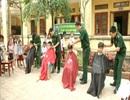 Bộ đội Biên phòng cắt tóc miễn phí cho học sinh nghèo