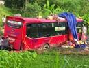Lật xe giường nằm, 4 người bị thương