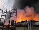 Nhà xưởng 2 công ty cháy dữ dội lúc sáng sớm