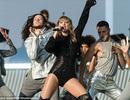 Taylor Swift máu lửa và gợi cảm trên sân khấu