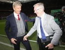 Sir Alex Ferguson xuất huyết não, phải phẫu thuật khẩn cấp