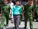 Gia đình nạn nhân bức xúc vì nguyên giám đốc BV Hòa Bình không tới tòa