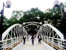 Người Sài Gòn thích thú với cầu bộ hành 11 tỷ đồng