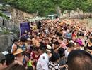 """Hàng nghìn người chen chúc tắm biển, Cát Bà """"thất thủ"""" mùa du lịch"""