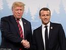 Cái bắt tay gây chú ý giữa Tổng thống Mỹ - Pháp