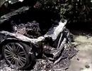 Đốt hương trầm để cúng xe mới khiến cả xe bị thiêu rụi