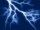 Trú mưa giữa đồng, 12 người bị sét đánh bất tỉnh