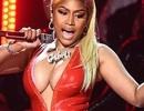 """Nicki Minaj liên tục """"lộ"""" vòng một"""
