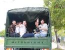 Điều động 3 xe tải cảnh sát chở 75 thí sinh đi thi