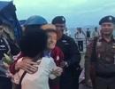 Xúc động khoảnh khắc cụ ông 99 tuổi đoàn tụ với vợ sau 4 năm chia cách