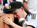 Cổ động viên khóc cạn nước mắt khi Argentina bị loại khỏi World Cup