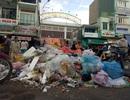 """Dân """"phong tỏa"""" bãi rác: Về đây ăn bữa cơm sẽ biết ô nhiễm thế nào!"""