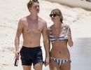 Taylor Swift diện bikini rạng ngời bên bạn trai người Anh