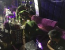 Đột kích quán bar, phát hiện nhiều chất bột, viên nén nghi là ma túy